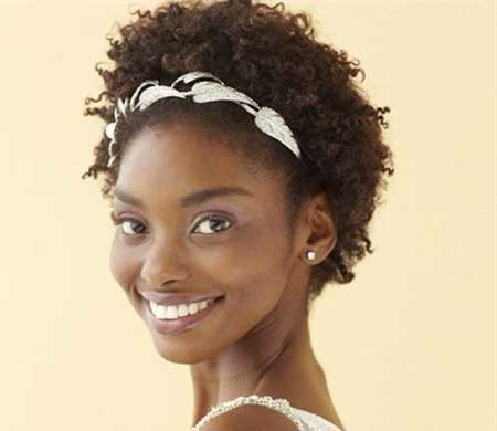 Best Short Haircuts for Black Women_14