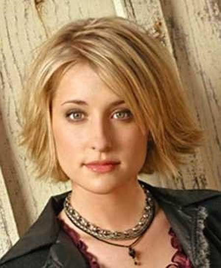 30 Best Short Hairstyles For Round Faces Short