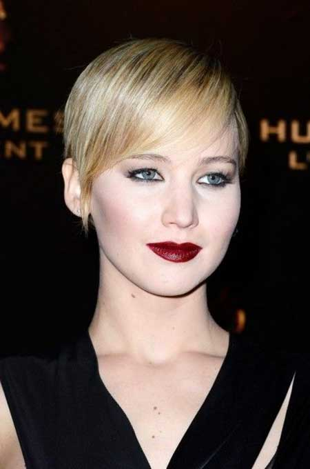 Best Short Hairstyles for Round Faces_23