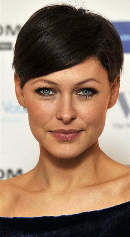 Celebrity Short Straight Hairstyle