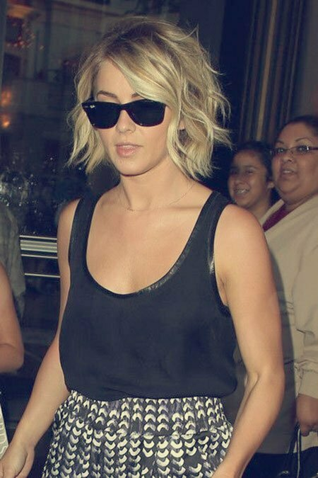 Celebrity Short Wavy bob - Julianne Hough