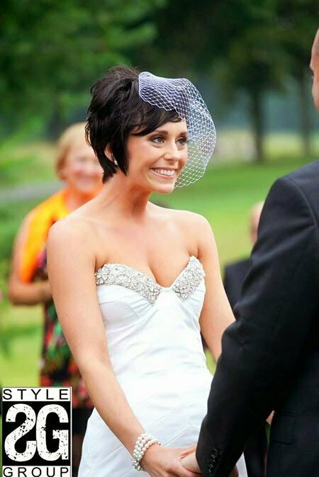 Charming Pixie Hair for One's Wedding