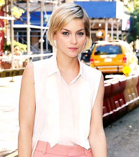 Short Cute Thin Blonde Hairstyle