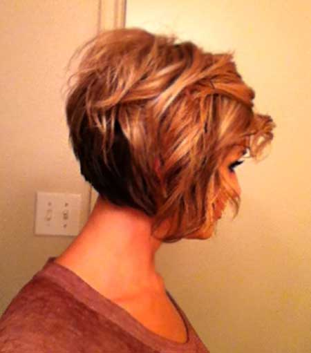Cute Wavy Bob with Inverted Ends