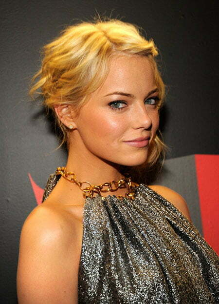 Emma Stone Short Blonde Haircut