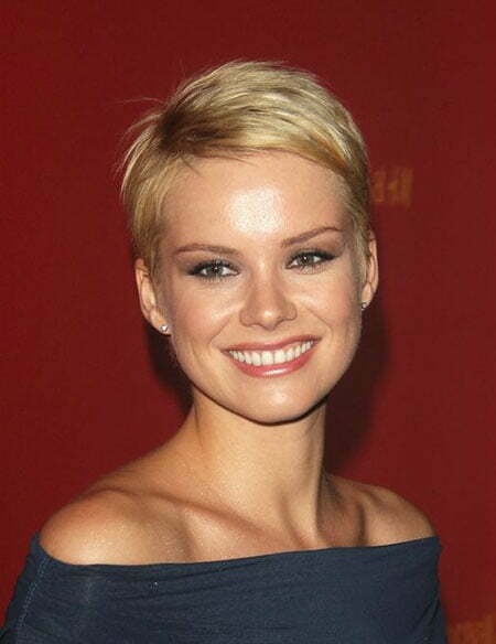 Female Celebrity Short Haircuts_5