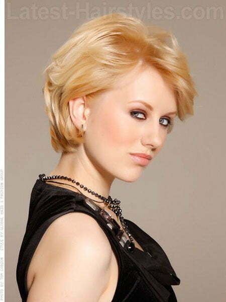 Girl with Short Blonde Hair_10