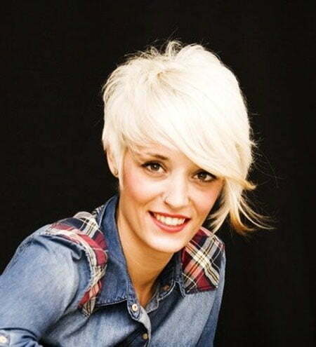 Girl with Short Blonde Hair_15