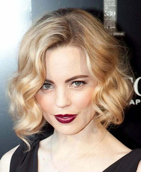 Haircuts for Short Wavy Hair and Round Face