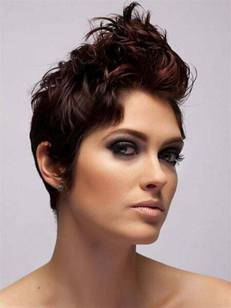 Hairstyles for Wavy Short Hair_8