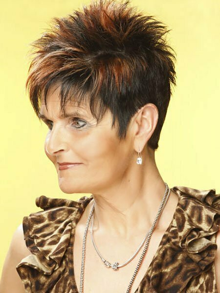Photos Of Short Haircuts for Older Women_11