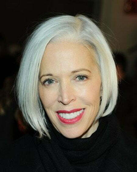Photos Of Short Haircuts for Older Women_4