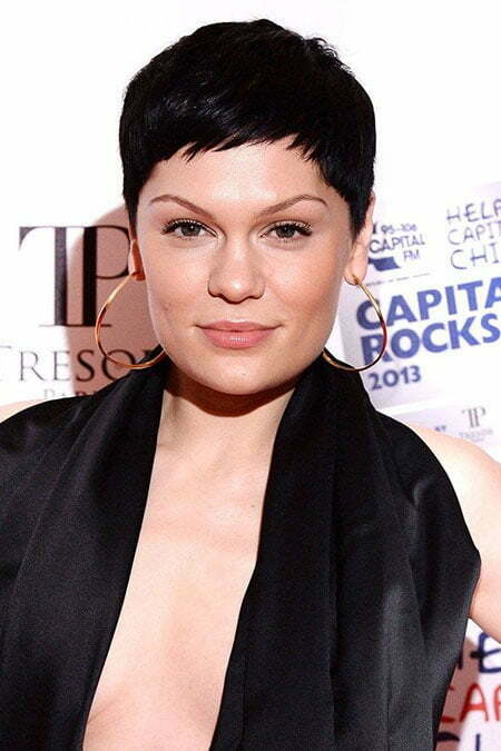 Pictures Of Short Pixie Haircuts_5