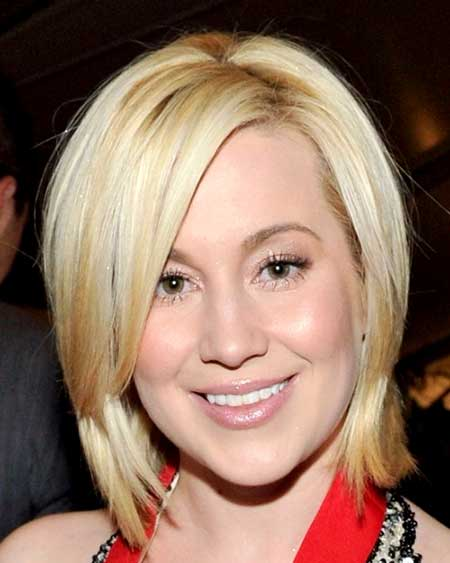 Side Parted Blonde Colored Layered Haircut