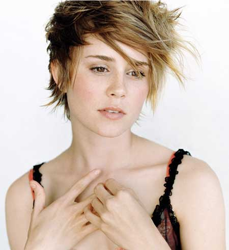Short Hair Styles for Girls_13