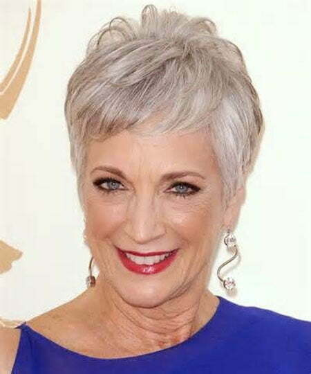 Short Hair for Older Women_1