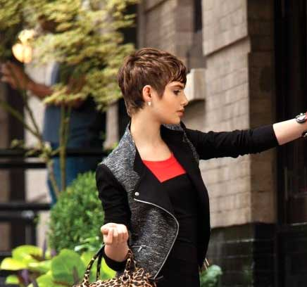 Side View of Short Boyish Hairstyle for Girls