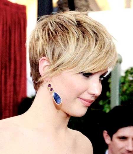 Classy Blonde Pixie Cut
