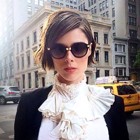 Side Swept Straight Short Hairstyle Trend