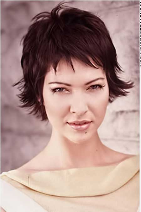 Short Layered Haircuts Images_2