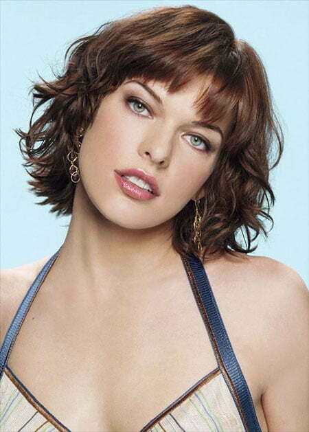 Short Layered Wavy Hair With Bangs - Milla Jovovich