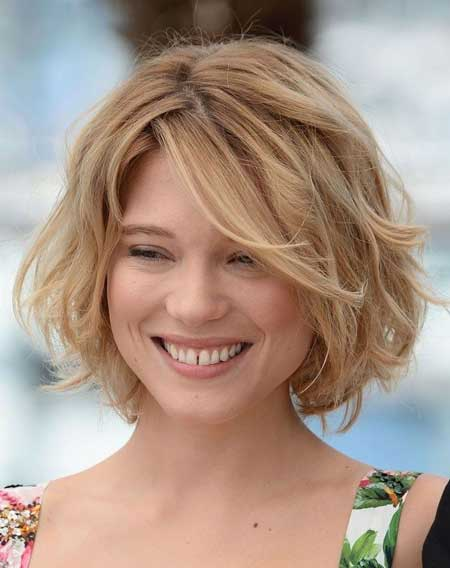 How To Style Short Wavy Hair Naturally 25 Short Wavy Hairstyles For Women  Short Hairstyles 2016  2017 .