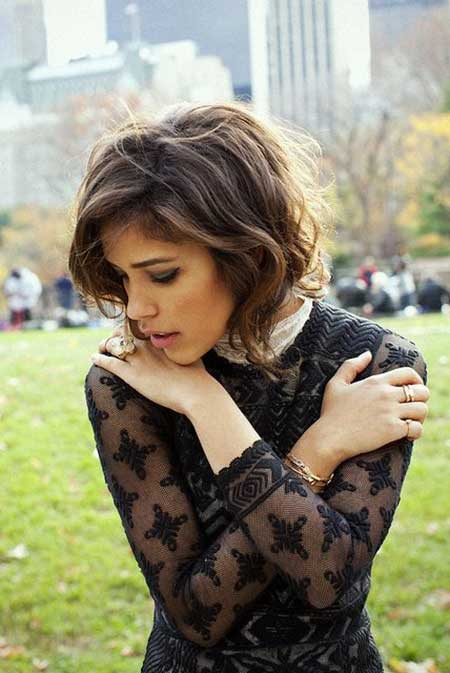 Short Hair Styles for Wavy Hair