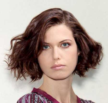 The 1960's Wavy Bob Hairstyle for Women