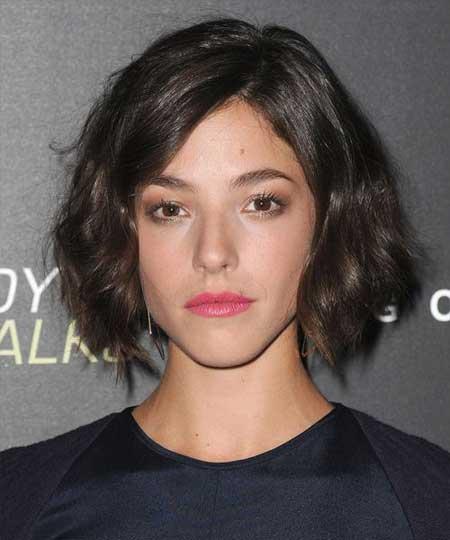 Short Wavy Hairstyles for Women_14