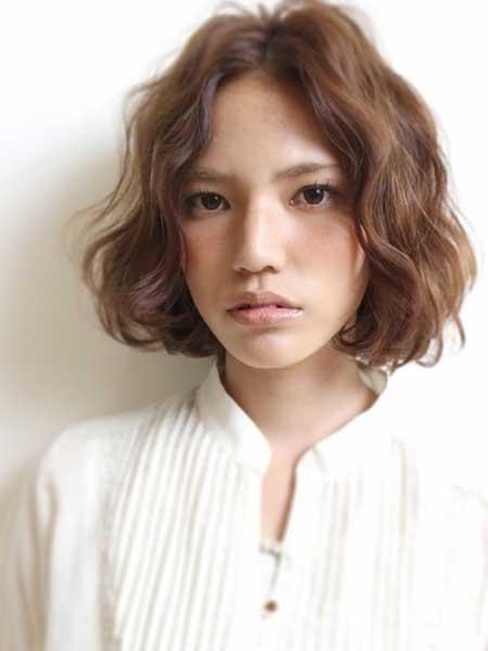 Short Wavy Hairstyles for Women_4