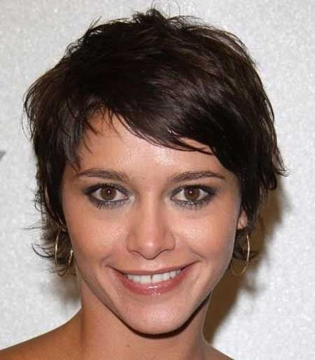 Short Wavy Hairstyles for Women_6