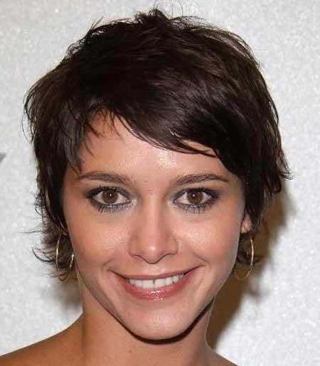 Short Wavy Hairstyles for Women_6