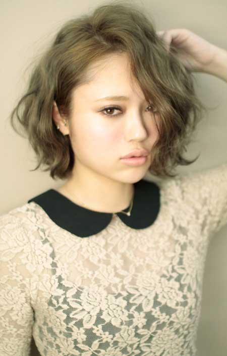 Short Wavy Hairstyles for Women_7