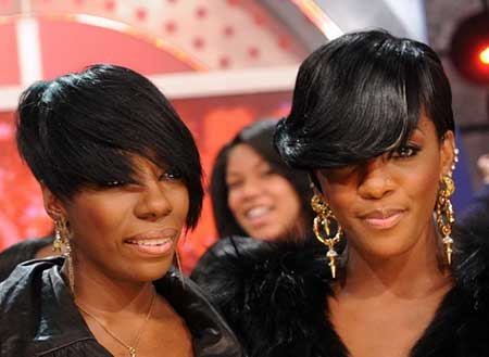 Wavy Asymmetrical Short Hairdo for Black Women