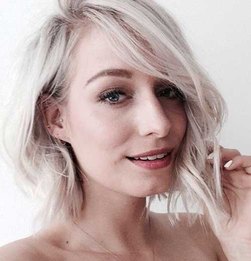 Short Platin Colored Wavy Hairstyle for Girls