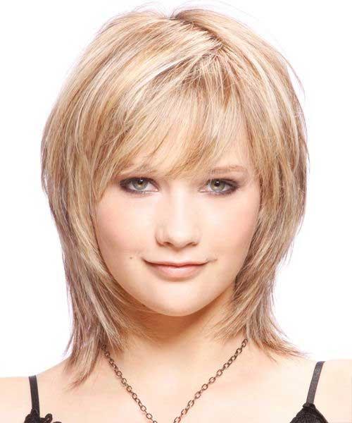 Medium Length Bouncy Layered Hairdo for Women