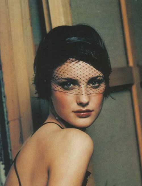 The 1960's Hairstyle for Women with Head Band