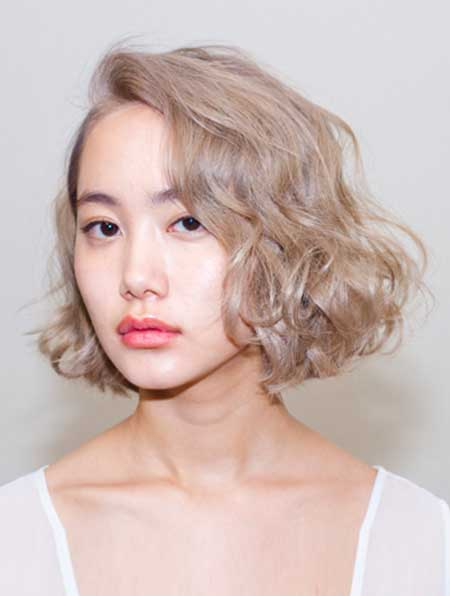 Very Light Short Curly Bob