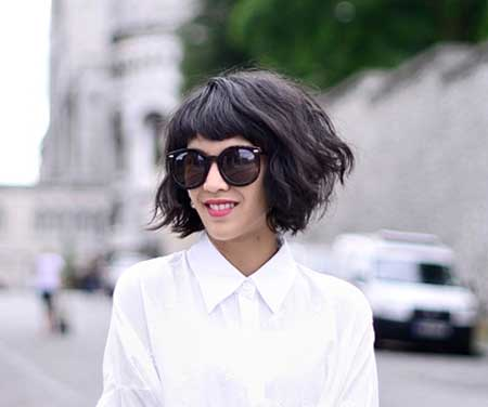 Messy Wavy Dark Layered Bob