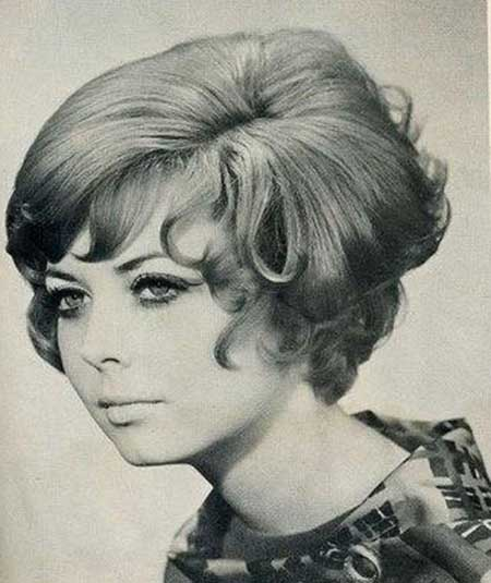 Voluminous Layered Vintage Hair