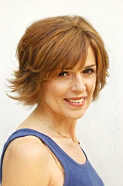 Channelling Lisa Rinna Light Coloured Bob Haircuts
