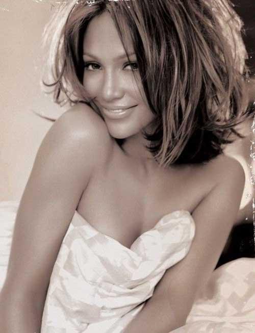 Jennifer Lopez Short to Medium Hair