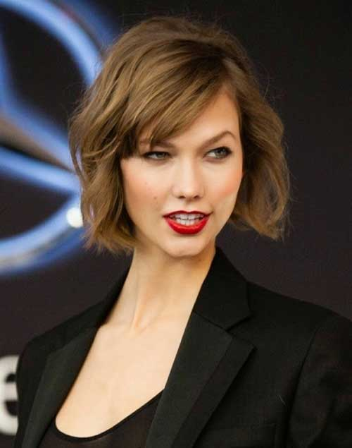 Karlie Kloss Short Wavy Bob Hairstyles