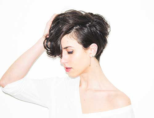 Messy Short Hair for Girl Styles