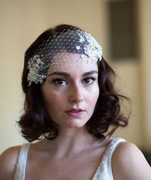Gorgeous Vintage Curls for Brides