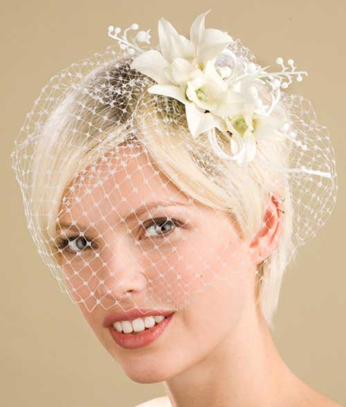 Short Platinum Hairstyles with Veil