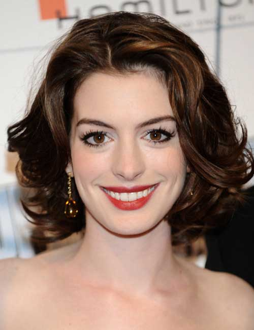 Anne Hathaway Curly Short Hair