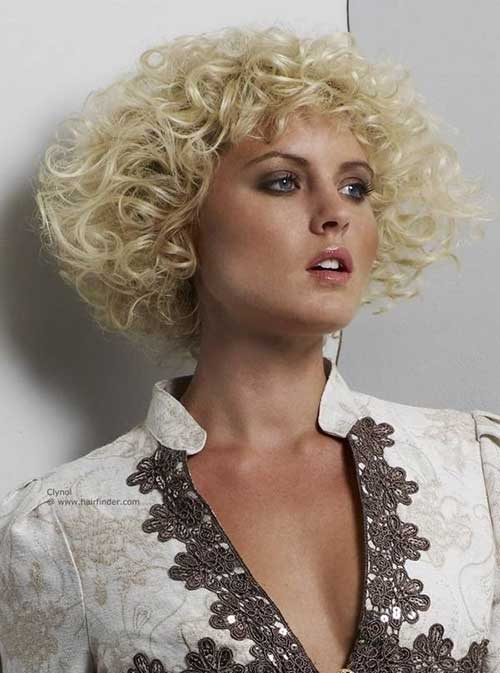 Chin-Length Curly Hairstyles for Fine Hair