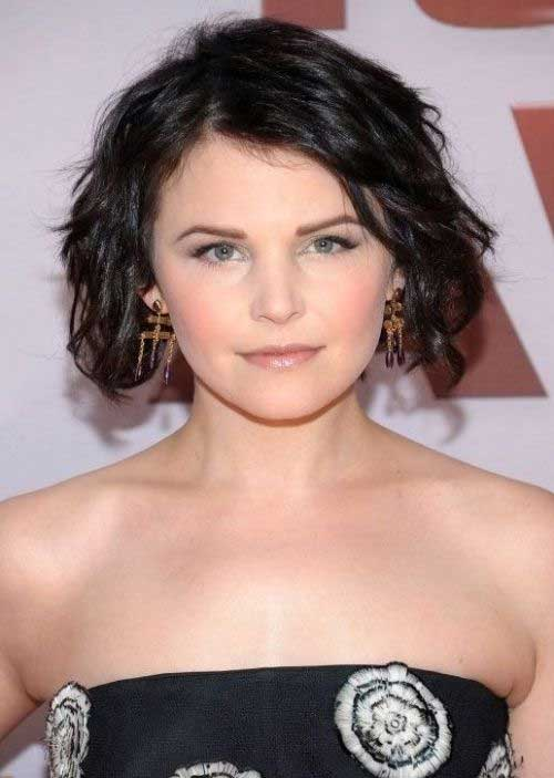 Ginnifer Goodwin Bob Wavy Hairstyle for Round Faces