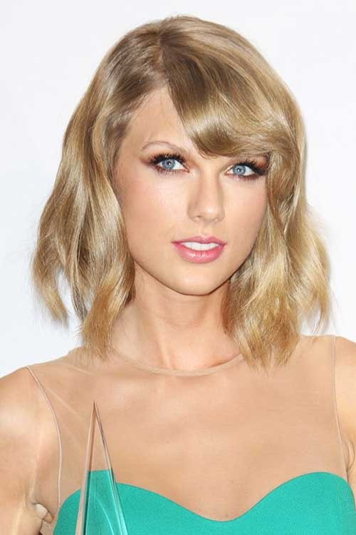 Taylor's Hairstyles For Short Wavy Hair With Bangs